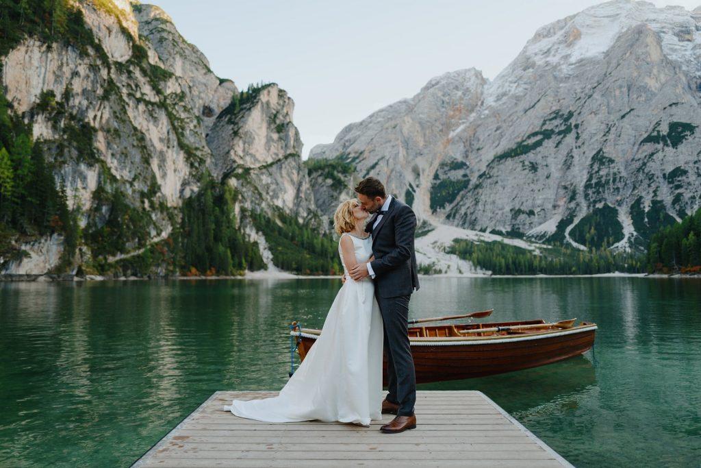 Zdjęcia ślubne nad jeziorem Lago di Braies