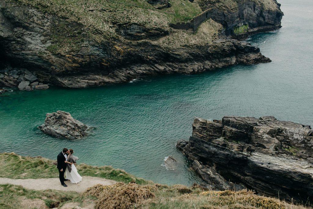 Sesja ślubna w Kornwalii, plener ślubny na klifach w Anglii - Tintagel