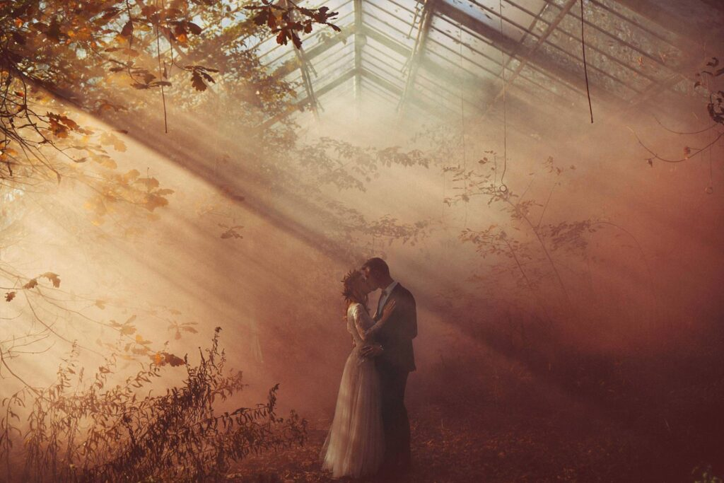 Autumn in the Abandoned Greenhouse, a wedding session full of love and magic