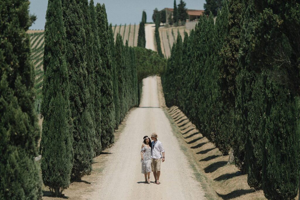 A Romantic engagement session in Tuscany