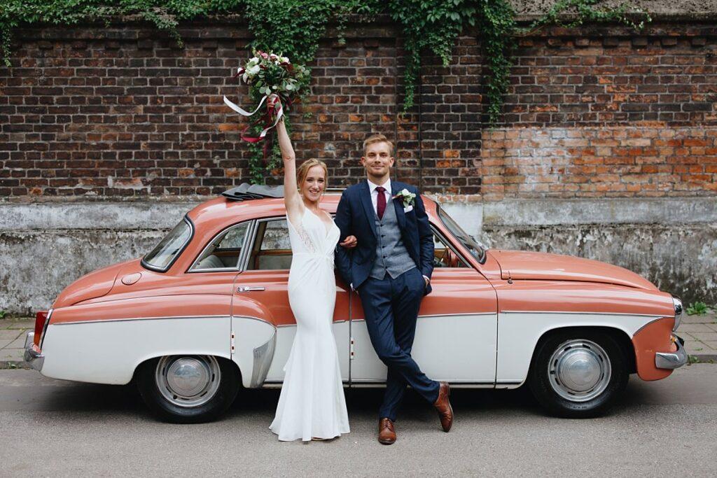 Ciekawe miejsca na sesję ślubną w Warszawie