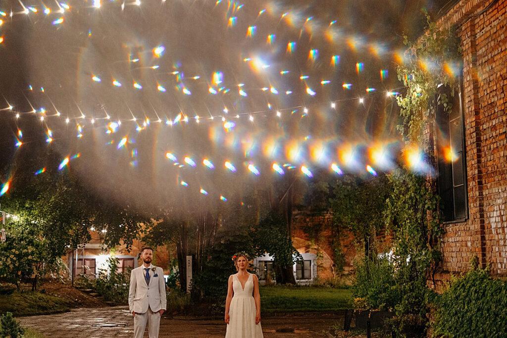 Sesja ślubna w deszczową noc